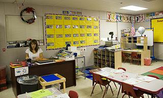 320px-FEMA_-_41759_-_School_teacher_getting_ready_for_a_new_school_year_in_Texas